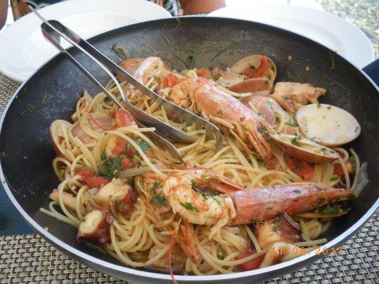 Avlakia, اليونان: Spaghettis aux fruits de mer