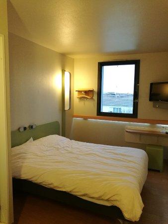 Ibis Budget Bordeaux Centre Bastide Photo