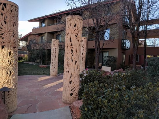 Sedona Rouge Hotel and Spa: After walking from pool and spa area you see this. Serenity.