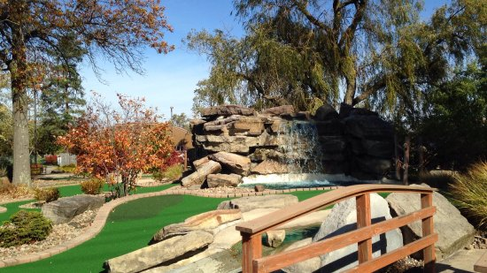 Chardon, OH: The waterfall at hole 12.