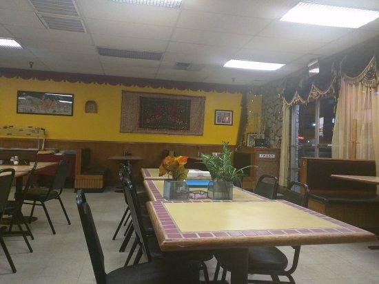 Roseburg, OR: Seating inside the restaurant