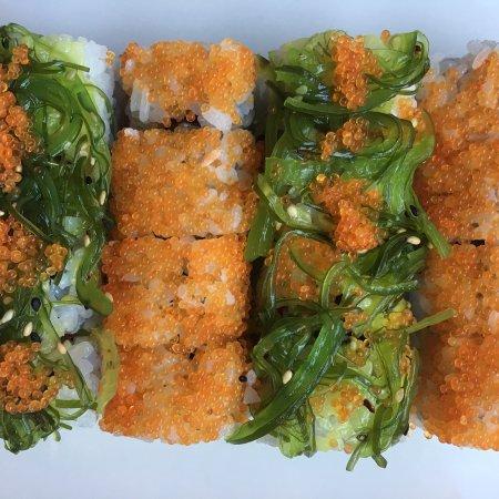 Koi sushi pamplona fotos n mero de tel fono y for Comida para koi