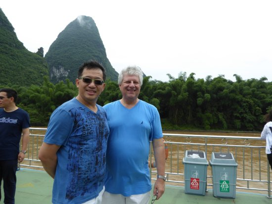 Guangxi Zhuang, Cina: A new WeChat friend made on the boat