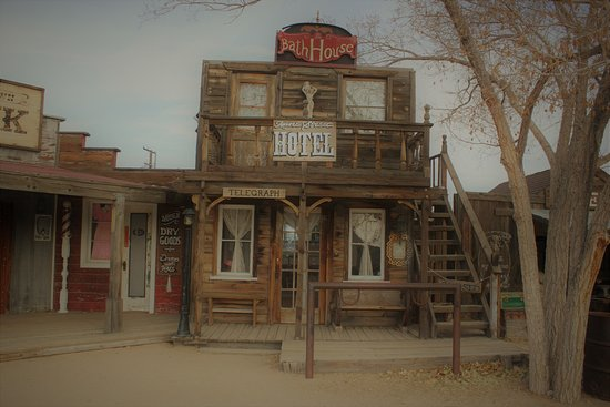 Pioneertown, CA: checkout all the old structure- pretty neat