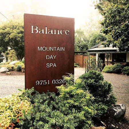 Balance Mountain Day Spa: Balance Mountain Day Spa, Relax and Unwind in the Dandenong Ranges.Single, couple and group book