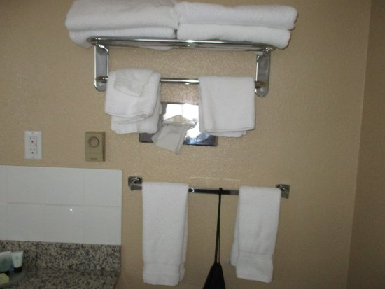 Best Western Inn at Penticton: lots of towels and blow dryer hanging in bag