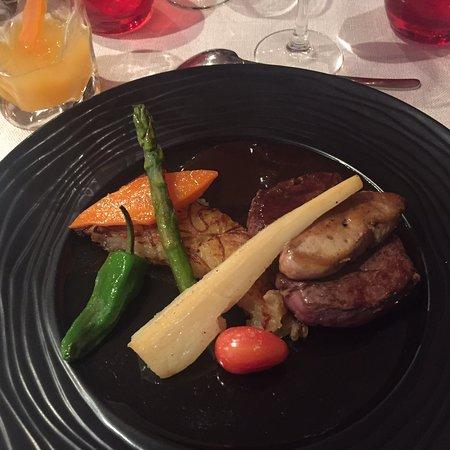 Restaurant l 39 art des mets dans la feuillade avec cuisine - L art de la cuisine francaise ...