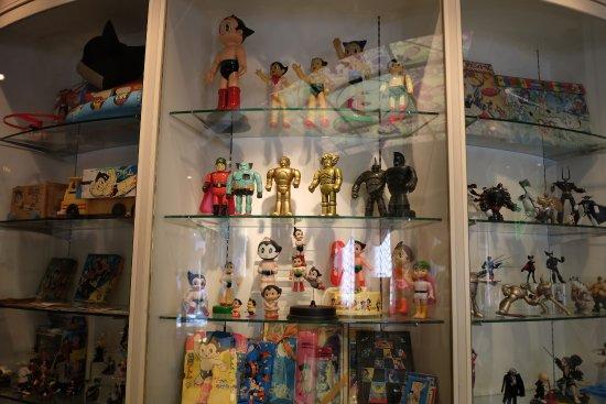 The Osamu Tezuka Manga Museum: 市販されていた手塚作品のフィギュア