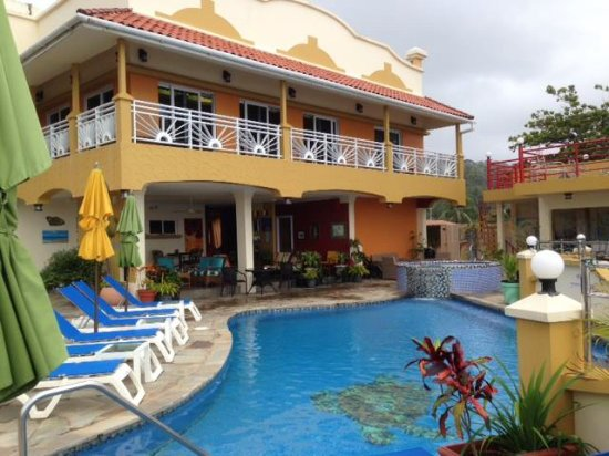 Anise Resort and Spa: view of the resort from the pool