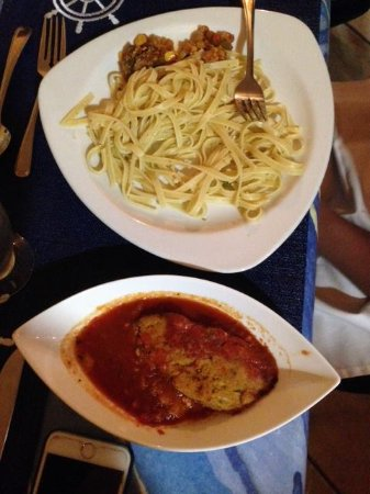 Anise Resort and Spa: vegetarian platter: chick peas pie, fettuccini pasta and vegetables