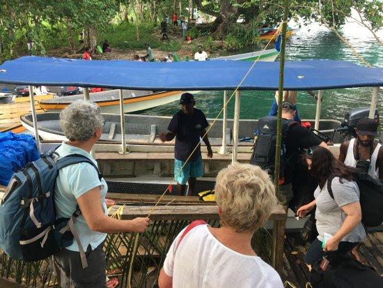 Uepi Island Resort: Boat from Seghe to Uepi