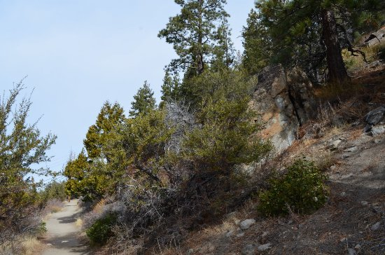 Glenbrook, NV: short trail to the Cave Rock