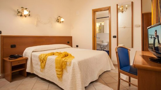 Hotel Grifo: Guest room