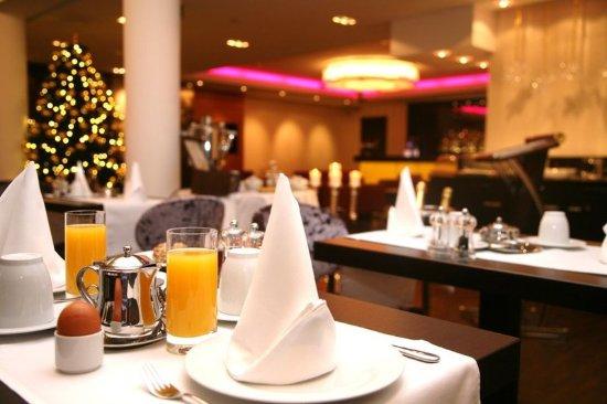 Hotel Favor: Restaurant