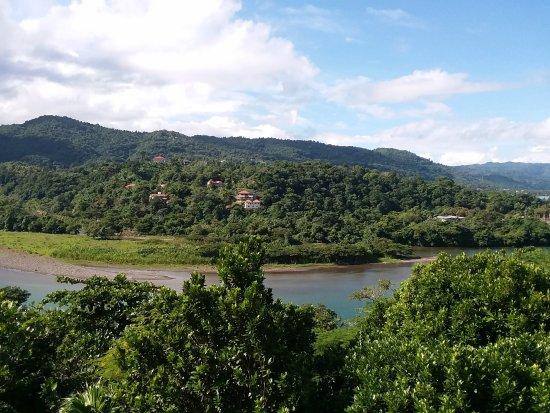 Rio Vista Resort: View of Rio Grande from the dining area
