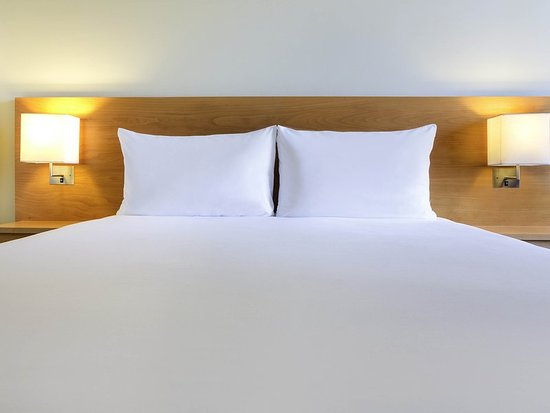 Ibis Al Rigga: Guest room