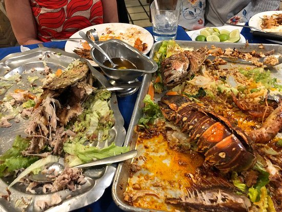 Cuetos Seafood: Making all gone