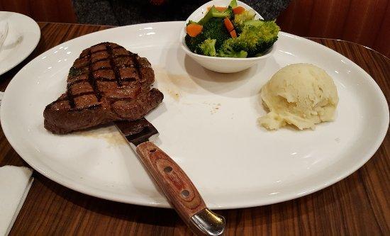 Skiatook, OK: 10 oz Steak (the plate is huge)