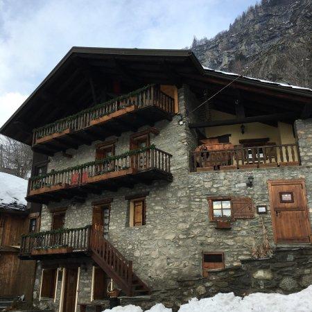 Residence cav emile rey courmayeur italie voir les for Logis hotel meuble emile rey