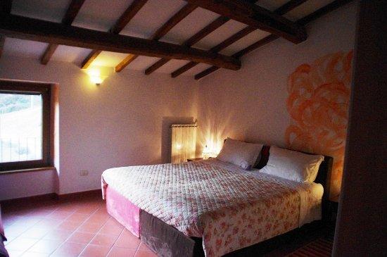 Arcidosso, Italy: camera pesca, 3 posti letto: matrimoniale divisibile in 2 singoli + 1 singolo