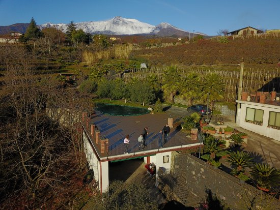 B&B Dimora dell'Etna: Drone shot with Etna in the background