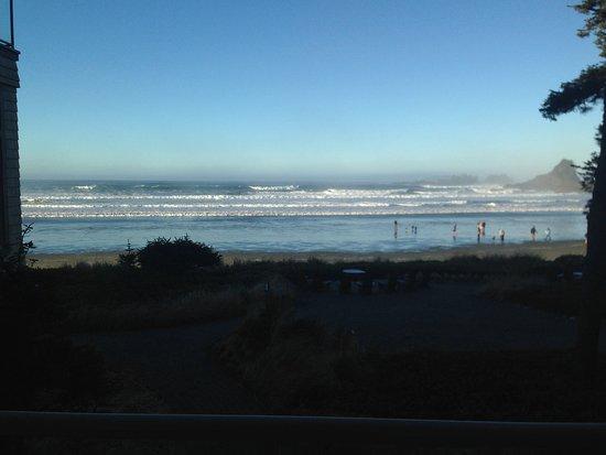 Long Beach Lodge Resort: Sun is up time..