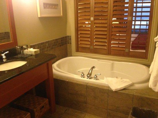 Long Beach Lodge Resort: Ready to soak it up..?