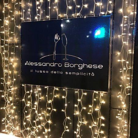 Alessandro borghese il lusso della semplicit obr zok for Ab il lusso della semplicita