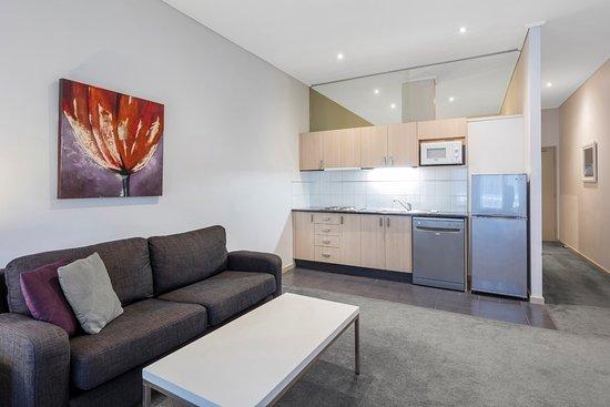 Best Western Riverside Apartments $92 ($̶1̶0̶8̶) - UPDATED ...