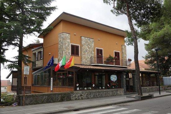 Hotel Alle Pendici Dell'Etna: Blick auf Hotel