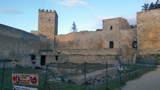 Castello di Lombardia (Enna) : 20171230_163713_large.jpg
