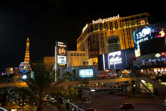 vista hotel dalla strip - Picture of Planet Hollywood Resort
