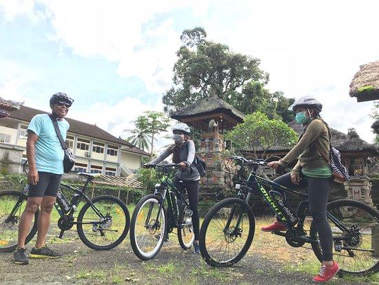 Go Ebike Bali: Visit the Temple