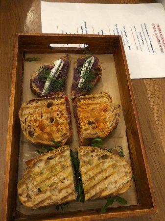 Heritage i croatian food i snack bar zagreb restaurant for Food bar zagreb