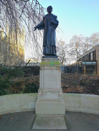 Emily Pankhurst Statue
