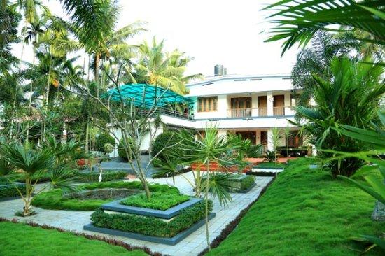 Kenichira, India: getlstd_property_photo