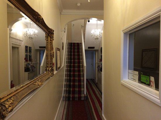 couloir d\'entrée - Bild von ABC Hyde Park Hotel, London - TripAdvisor