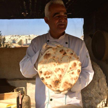 El mejor pan árabe hecho y servido al momento!