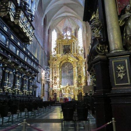 Corpus Christi Church (Kosciól Bozego Ciala): The main altar