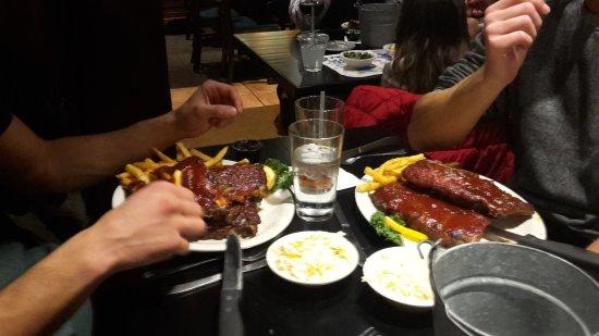 Mill Street Grill: half racks with fries