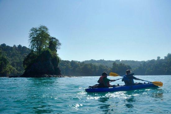 Ocean Kayak Manuel Antonio Amazing Views - Picture of Kayak