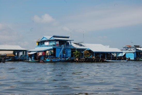 Kompong Luong: villaggio galleggiante