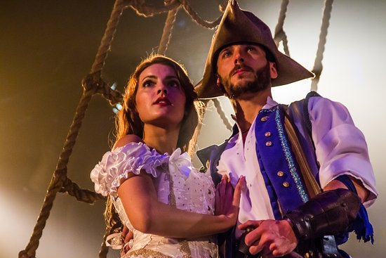 Buena Park, Kalifornia: Witness a tale of romance and adventure!