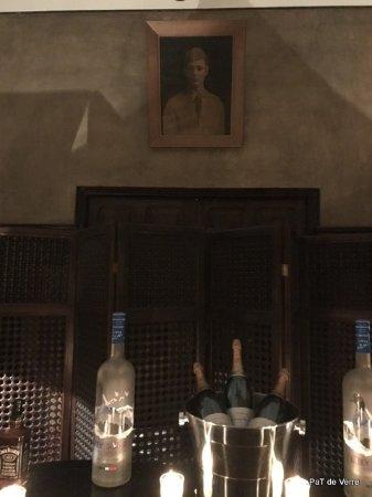 Grand Cafe De La Poste : Vous prendrez bien un petit verre?