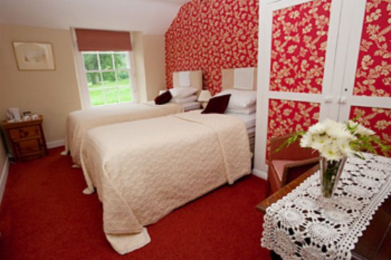 Borrowdale, UK:  Comfortable  twin room with en suite.