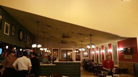 Chicopee, MA: Dining area of Masse Seafood