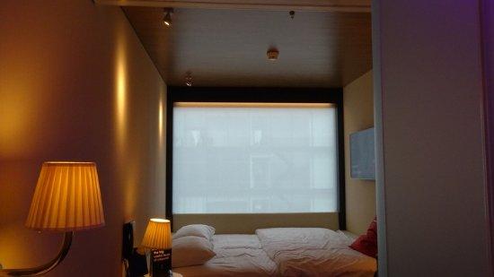 Fein Ein Zimmer ~ Klein aber fein zimmer hotel citizenm das bett picture of