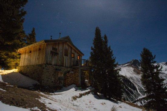 OPUS Hut Foto