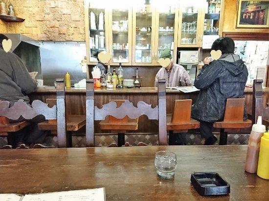 Takashimakohiten: 店内の雰囲気