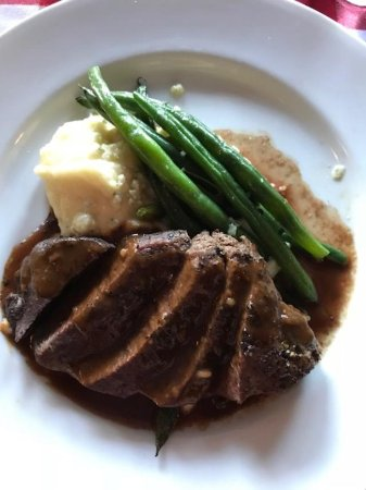 Stanton, Californië: Beef filet with potatoes and green beans
